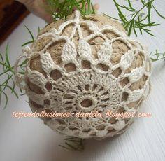 tejido crochet y artesanías: Porta-plantas colgantes. Crochet Home, Cute Crochet, Crochet Crafts, Crochet Yarn, Easy Crochet, Crochet Stitches, Crochet Projects, Yarn Crafts, Crochet Plant Hanger