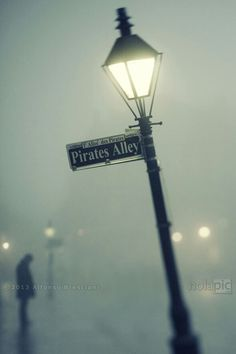 Pirate's Alley, New Orleans (foggy!)