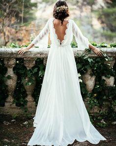 Singel, förlovad, snart gift eller redan stadgad spelar ingen roll – man kan aldrig titta sig mätt på vackra brudklänningar.