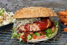 Chicken Ranch Burger med Georgia coleslaw og søtpotetfries - REMA 1000
