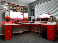 Hate the colour - love the set up :- change far right screen for laptop