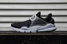 "Hiroshi Fujiwara's fragment design has teamed up with Nike for a collaborative Nike Sock Dart sneaker dubbed ""Black Oreo."" Following suit with the previous ""Pool Blue"" and ""Dark Loden"" releases, the s..."