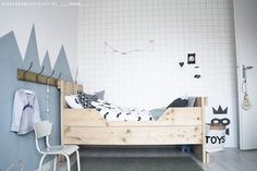 At first, we think boys only have few kinds of stuff. They are not as complicated as girls are, or maybe we think they do not really care how their room looks like. However, there are a lot more boys bedroom ideas to enrich your toddler's room reference Boy Toddler Bedroom, Baby Bedroom, Nursery Room, Boy Room, Kids Bedroom, Bedroom Ideas, Baby Room Design, Kidsroom, Room Inspiration