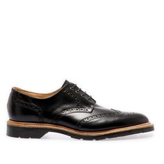 This Black Gibson Brogue is crafted using Italian calf leather and Goodyear welted construction method using ourSolovair Soft Sole Suspension technology