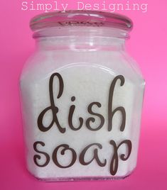 5 Homemade Dish Soap Recipes to Make Homemade Dishwashing Liquid {free printable} ~ You'll never forget how to make your own dishwashing liquid with this fabulous free printable label with the ingredients printed on it. Homemade Dishwashing Liquid, Homemade Dish Soap, Homemade Dishwasher Detergent, Dish Detergent, Laundry Detergent, Dishwasher Cleaner, Homemade Recipe, Dishwasher Tabs, Homemade Cleaning Supplies