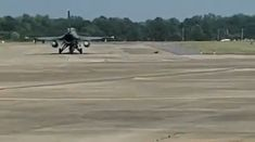 How to remove engine destroying Turkeys from taxiway Military Jokes, Army Humor, Military Videos, Stealth Aircraft, Fighter Aircraft, Military Aircraft, Aviation Mechanic, Aviation Humor, Jet Fighter Pilot