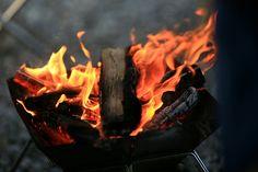 모닥불엔 최면효과가 있는것 같다. 불멍때리고 있으면 신기하게도 회사일을 완전하게 잊을 수 있다는...