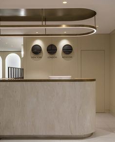 Best Place to find hotel lobby design Lobby Interior, Luxury Interior, Interior Styling, Interior Design, Hotel Lobby Design, Reception Counter, Office Reception, Lobby Reception, Ambiance Hotel