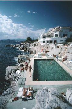 Hotel du Cap Eden Roc- back in the day by Slim Aarons