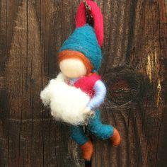 Ornament  Hirtenjunge mit Schafen Waldorf inspirierte von Nushkie