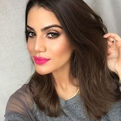47 The Best Lips Makeup Ideas in Spring This Year Pink Lipstick Makeup, Lip Makeup, Pink Power, Long Bob, Pink Dress, Hair Color, Hair Beauty, Take That, Make Up