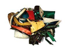 Dolores James, Welded and painted steel, 72 x 101 x 46 John Chamberlain inches x x cm). Solomon R. Guggenheim Museum, New York Abstract Sculpture, Sculpture Art, Museums In Nyc, Art Curriculum, First Art, Art Fair, Pop Art, Contemporary Art, Solomon