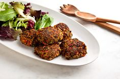 I usually hate vegan recipes, but these asian-inspired quinoa and veggie burgers are making me re-think that.