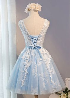 Vestido para homecoming Azul claro con escote ovalado sin mangas con faja