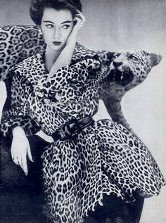 Dovima in a Bernham-Stein leopard fur coat, photo by Richard Avedon 1950