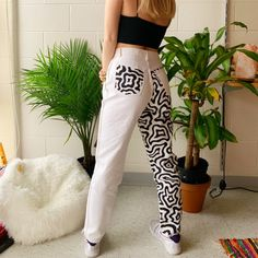 Painted Jeans, Painted Clothes, Diy Clothing, Custom Clothes, Funky Pants, Diy Fashion, Fashion Outfits, Swagg, Aesthetic Clothes