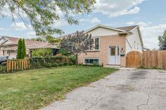 Kijiji - Buy, Sell & Save with Canada's Local Classifieds Large Bathrooms, Walk Out, In Law Suite, View Map, Semi Detached, Easy Access, Separate, Entrance, Master Bedroom