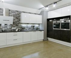 Moderní designová kuchyně Kira. Kuchyně a spotřebiče jedné značky - gorenje. #kuchyně #design #interiér #domov #gorenje