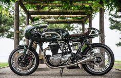 Kawasaki W650 Cafe Racer - BerryBads mc #motorcycles #caferacer #motos | caferacerpasion.com