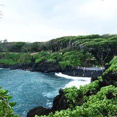 Black sand beach #maui