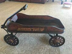 1933 Chicago Worlds Fair Sunshine Flyer Wagon Kids Wagon, Toy Wagon, Wagon Cars, Custom Radio Flyer Wagon, Radio Flyer Wagons, Antique Toys, Vintage Toys, Pull Wagon, Little Red Wagon