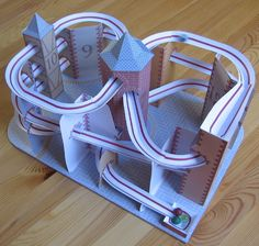 Lutz's Web Site: Paper Model Roller Coaster Stem Projects, Circuit Projects, School Projects, Marble Coasters, Diy Coasters, Cardboard Toys, Paper Toys, Paper Crafts, Paper Roller Coaster