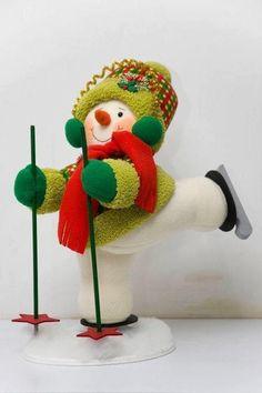 Moldes de este lindo y divertido muñeco de nieve esquiador. Seguro que estas navidades tienes pendiente hacer un regalo, este muñeco seria una buena opción y seguro que les encantara a niños y mayo…