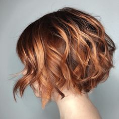 60 Best Short Bob Haircuts and Hairstyles for Women - Two-Tone Wavy Bob Source . - 60 Best Short Bob Haircuts and Hairstyles for Women – Two-Tone Wavy Bob Source by anitasollars – Bob Haircuts For Women, Short Bob Haircuts, Haircut Short, Edgy Haircuts, Layered Haircuts, Page Haircut, Bob Haircut 2018, Kids Girl Haircuts, Haircut Style
