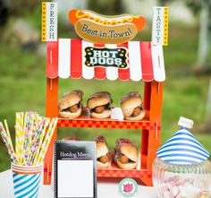 Hot dog or popcorn stand! Popcorn Stand, Hot Dogs, Giveaway, Tea Pots, Happy, Fun, Parties, Tips, Popcorn Cart