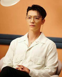 #LeeDonghae #YesungMVPinkMagic #SMTownBlogUpdate Lee Donghae, Leeteuk, Kim Ryeowook, Cho Kyuhyun, Choi Siwon, Lee Hyukjae, Super Junior Donghae, My Superman, Dong Hae