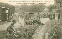 Carte Postale Postcard 1914-1918 Prisonniers Français En Allemagne Le Repas Du Midi