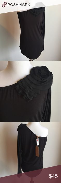 Silvian Heach One Shoulder Tunic Top Never worn with tags. Bought in Vienna in a boutique. Gorgeous shoulder detail. One sleeve tunic top with ruched sides around hips. Silvian Heach Tops Tunics