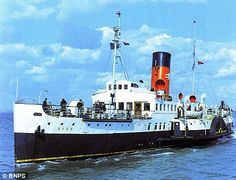 The Ryde Queen Paddle boat helped rescue British soldiers from Dunkirk during World War 2 Isle Of Wight Ferry, Titanic Photos, Steam Boats, Normandy Beach, D Day Landings, Paddle Boat, Navy Ships, Power Boats, Portsmouth