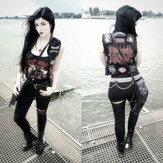 Metal sexy girl
