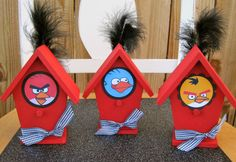 Centerpiece idea! Dollar store birdhouses on a DIY stand
