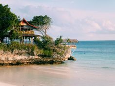 Bira Beach, Indonesia / photo by gunkz