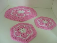 Eplabiter -  Handmade crochet  Glassbrikker og bordskåner SUKKERSØT drøm for 2 http://epla.no/shops/ysdesign