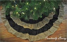 country christmas tree skirt! NEAT!