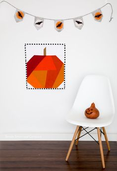 Make some Halloween Mini Quilts to hang in your home this holiday season! Or take all 4 quilt blocks and make a fantastic mini quilt! Halloween Sewing, Halloween Crafts, Haunted Halloween, Rag Quilt, Quilt Blocks, Quilting Projects, Sewing Projects, Quilting Ideas, Beginning Quilting