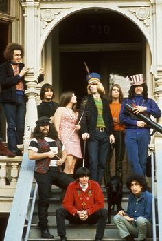 Grateful Dead on the steps of 710 Ashbury, San Francisco, CA - Grateful Dead House, Grateful Dead Image, Grateful Dead Shirts, Pigpen Grateful Dead, Rock N Roll, Dead Band, Jim Marshall, Bob Weir, T Shirt Makeover