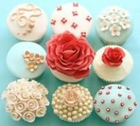 bottom left and middle are my favorites!  cute wedding cupcakes