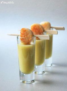 Chupito de crema de pera al jengibre con vieira | L'Exquisit