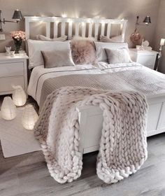 bedroom decor ideas for teens; Small and warm cozy bedroom i… cozy bedroom ideas; bedroom decor ideas for teens; Small and warm cozy bedroom ideas; Cozy Bedroom, Dream Bedroom, Lux Bedroom, Master Bedrooms, Bedroom Neutral, Bedroom Lamps, Tumblr Bedroom, Bedroom Ideas Grey, Bedroom Design For Teen Girls