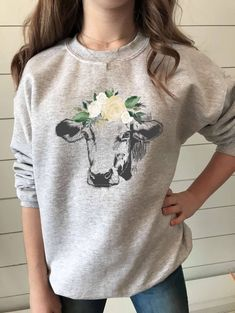 Mom Shirts Discover Cow Sweatshirt for Women Cow Sweater Floral Cow Cow Gifts Cute Cow Farm Sweatshirt Cow Shirt Cow Lovers Love Cows Country Outfits, Western Outfits, Cow Outfits, Farm Outfits, Rodeo Outfits, Nice Outfits, Farm Clothes, Cow Gifts, Cow Shirt