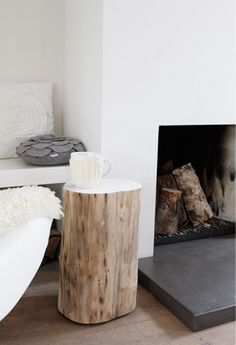 ideas for tree trunk bench log stools Log Table, Stump Table, Tree Trunk Table, Interior Styling, Interior Decorating, Interior Design, Ideas Para Decorar Jardines, Log Stools, Trunk Furniture