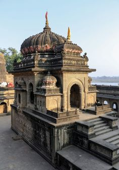"hinducosmos: "" Chhatri of Vithoji in the Maheshwar Fort Maheshwar Fort, Madhya Pradesh, India. Photo By Bernard Gagnon CC BY-SA (via wikimedia) Chhatris are elevated, dome-shaped pavilions used as an element in Indian architecture. The word. Indian Temple Architecture, India Architecture, Historical Architecture, Ancient Architecture, Beautiful Architecture, Temple India, Hindu Temple, Pooja Room Door Design, Village House Design"
