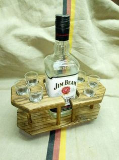 Pin by Steve Seidel on Booze holders in 2019 Wooden Projects, Woodworking Projects Diy, Wood Crafts, Wood Wine Racks, Wine Glass Rack, Diy Outdoor Furniture, Pallet Furniture, Liquor Dispenser, Wine Shelves