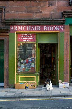 ARMCHAIR BOOKS. Victorian, Illustrated & Secondhand Books. 72-74 West Port,  EDINBURGH  Midlothian  EH1 2LE,  tel: 0131 229 5927.  Bookshop Row. Old Town of Edinburgh, SCOTLAND. Just after The Grassmarket become West Port. (Photographer unknown)
