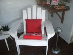 I've made some chairs out of these beloved pallets!  #PalletChair, #RecycledPallet