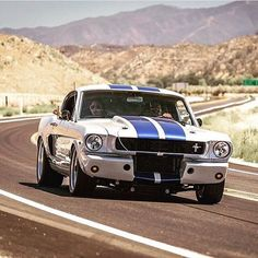 Mustang is just how'd we like them. Fast and low! Mustang Mach 1, Ford Mustang Shelby, Ford Mustangs, Mustang Cars, Shelby Gt350r, Airplane Car, Carroll Shelby, Classic Mustang, American Muscle Cars